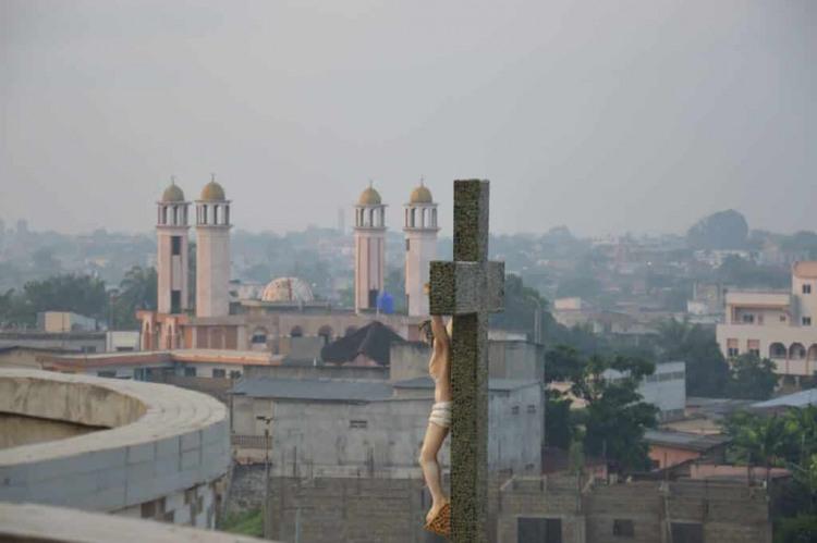 Mosquée et Cathédrale Sherpas ecole Benin