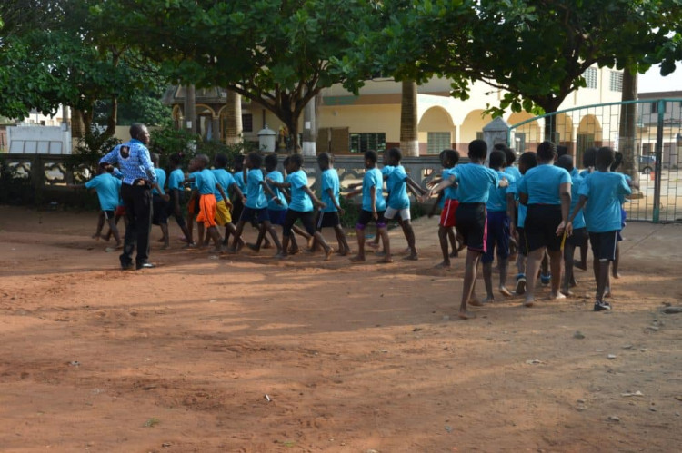 Ecole beninoise eleves sport