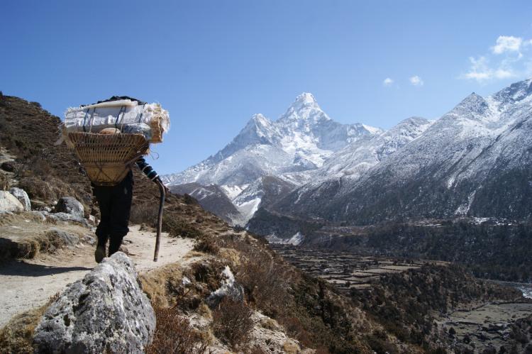 Les Sherpas dans le Tibet